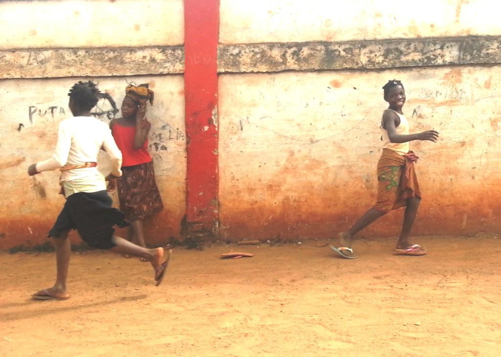 VJW International Development - MCC Mozambique Evaluation - Girls playing