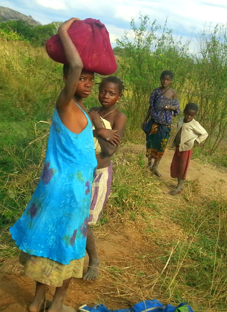 VJW International Development - MCC Mozambique Evaluation - Girls washing